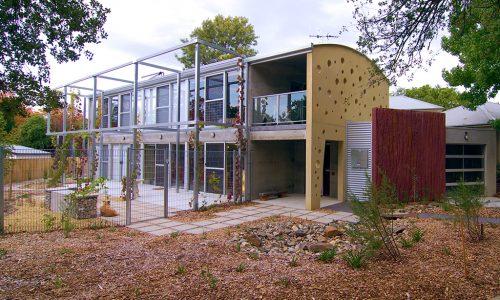 1 - Strine environments - Strine Design - Ric Butt - Caladenia Street House - Front perspective
