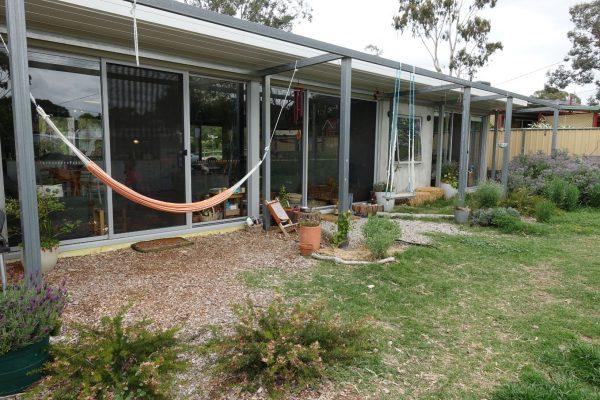 16 - Kambah modular home - strine environments