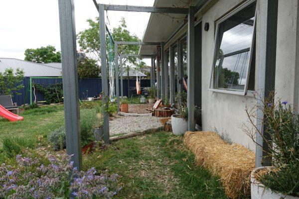 21 - Kambah modular home - strine environments